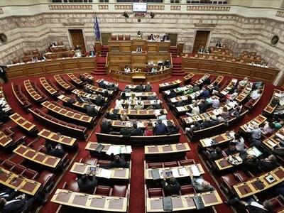 """Και στη Βουλή ο """"πόλεμος"""" κυβέ..."""