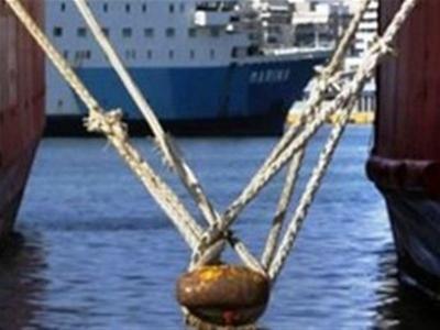 Πάτρα: Σύγκρουση τριών πλοίων λόγω δυνατών ανέμων