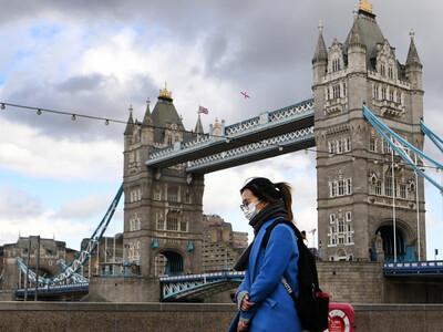 Κορωνοϊός-Βρετανία: 19.875 νέα κρούσματα...