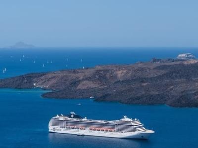 Όλο και περισσότερα κρουαζιερόπλοια στα ελληνικά λιμάνια
