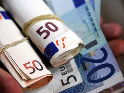Επιστροφή φόρου σε κερδοφόρες επιχειρήσεις