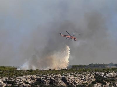 Λαύριο: Σε ύφεση η φωτιά