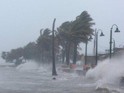 """ΗΠΑ: Η τροπική καταιγίδα """"Ησαΐας&qu..."""
