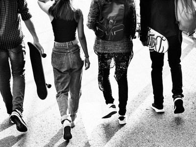 Φαρ ουέστ τα σχολεία - Πληθαίνουν τα περιστατικά βίας στην Πάτρα