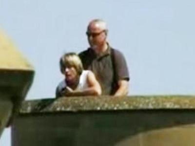 Αυτό και αν είναι σκάνδαλο: Η  κυρία Δήμαρχος κάνει σεξ στον πύργο!!! Δείτε το βίντεο