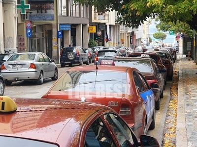 Πάτρα: 15 ταξί σε όλη την πόλη τη νύχτα ...