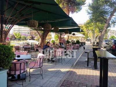 Για καφέ στο κέντρο της Πάτρας σήμερα - Άνοιξε η εστίαση - ΒΙΝΤΕΟ