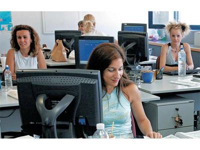 Διαψεύδουν τα περί οριζόντιων περικοπών κατα 40% στις αποδοχές των δημοσίων υπαλλήλων