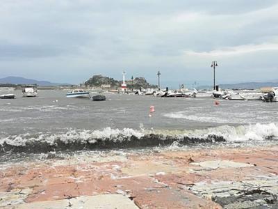 Κλειστά σχολεία στην Κέρκυρα ελέω Βικτώριας - Σάρωσε το Ιόνιο η κακοκαιρία
