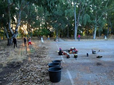 Εργασίες του Δήμου στον περιβάλλοντα χώρο του κολυμβητηρίου της Αγυιάς - ΦΩΤΟ
