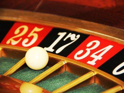 Τέσσερα καζίνο χρωστούν 100 εκατ. στον Ε...