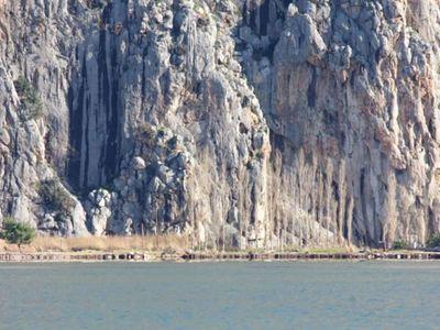 Στα βράχια της Βαράσοβας εντοπίστηκε ο 3...