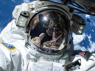 Η 82χρονη της NASA που συνεχίζει να κοιτά τα... άστρα