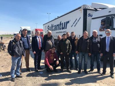 Εγκλωβισμένοι στα σύνορα Ιράκ - Τουρκίας 13 Έλληνες οδηγοί φορτηγών - Δεν τους αφήνουν να περάσουν λόγω κορωνοϊού!