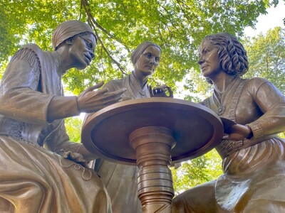 Μνημείο στη Νέα Υόρκη για 3 πρωτοπόρους ...