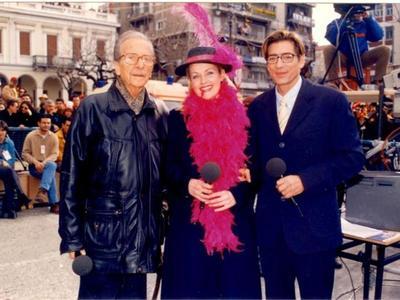 Όταν ο Κώστας Σγόντζος παρουσίαζε το Πατρινό Καρναβάλι του 1999