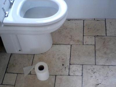 Aνατριχιαστικό -Βρέθηκε βρέφος στη σωλήνα τουαλέτας σε σπίτι στο χωριό Αμίαντος!