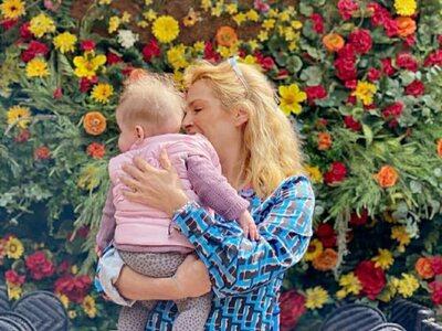 Η Τζένη Μπότση αγκαλιά με την κατάξανθη κόρη της! ΦΩΤΟ