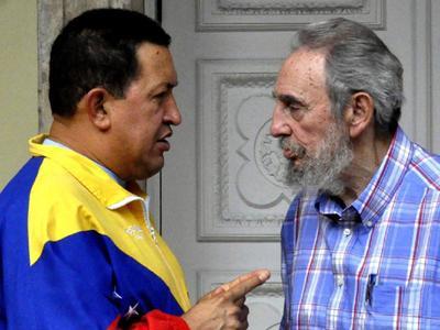 Φωτογραφίες μέσω twitter από τη συνάντηση Τσάβες - Κάστρο