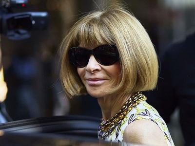 Αννα Γουίντουρ: Ποια είναι η super stylish «μεγαλειοτάτη» που καταφθάνει 27/11 στο Μέγαρο Μουσικής