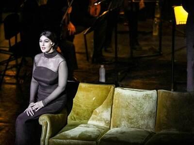 Η Μόνικα Μπελούτσι στο Ηρώδειο ως Μαρία ...