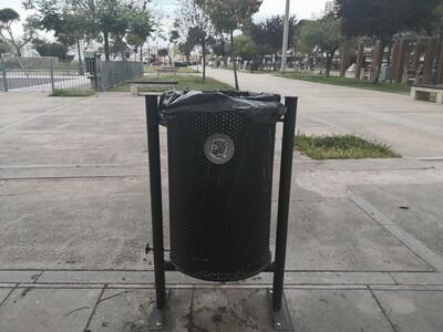 250 νέα μεταλλικά καλάθια απορριμμάτων σε δρόμους και πλατείες της Πάτρας