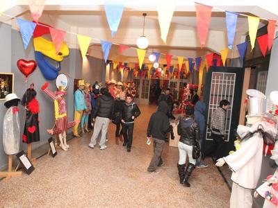 Πάτρα: Οι στολές των πληρωμάτων του Πατρινού Καρναβαλιού στο Παλαιό Αρσάκειο - Δείτε φωτό