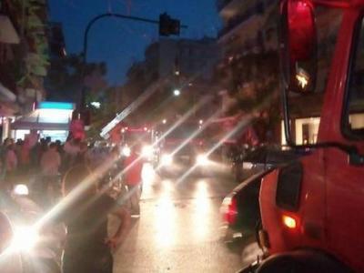 Αναστάτωση από φωτιά τη νύχτα στον Αγ. Διονύσιο στην Πάτρα - Μια γυναίκα στο νοσοκομείο
