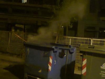 Άρπαξαν φωτιά δύο κάδοι στην Πάτρα