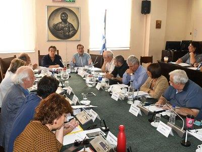 Το Δημοτικό συμβούλιο της Πάτρας κατά της συγχώνευσης των Δ.Ο.Υ.