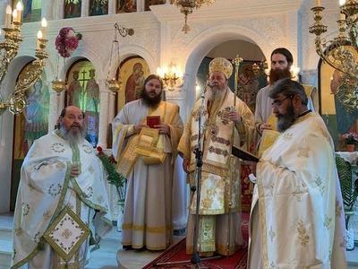 Στο ναό Αγ. Κωνσταντίνου και Ελένης στα Κριθαράκια λειτούργησε ο Επίσκοπος Κερνίτσης Χρύσανθος
