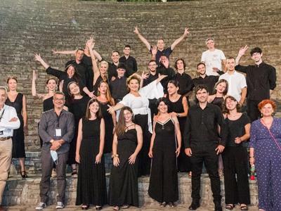 Αρχαία Ολυμπία: Η Ορχήστρα Νυκτών Εγχόρδ...