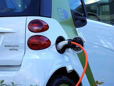 Τα κίνητρα για την ηλεκτροκίνηση - 80% χαμηλότερο το κόστος χρήσης και συντήρησης των ηλεκτρικών αυτοκινήτων