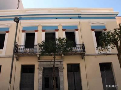 """Ένα αρχιτεκτονικό κόσμημα στο κέντρο της Πάτρας- Η ανακαίνιση που """"ξεπλήρωσε"""" το χρέος της πόλης στον Χρήστο Κορύλλο"""