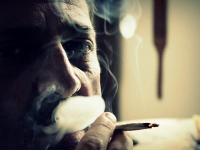 Πρώην και «λάιτ» καπνιστές δεν γλιτώνουν τη ζημιά στους πνεύμονες τους
