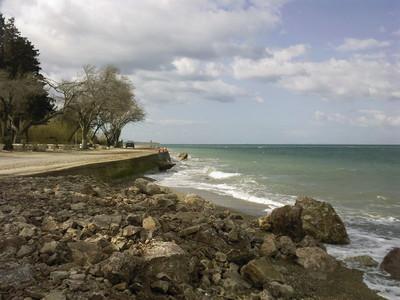 H διάβρωση των ακτών σοβαρό περιφερειακό πρόβλημα