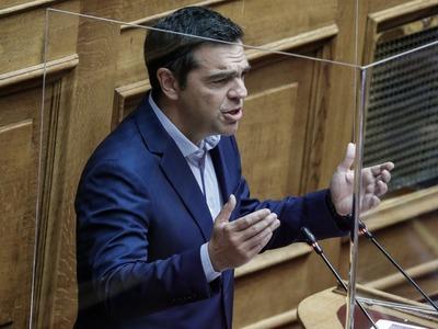 Αλ. Τσίπρας: Φέρνετε το νομοσχέδιο από φ...