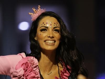 Ποια είναι η όμορφη Διονυσία που έκλεψε τις εντυπώσεις στην παρέλαση του Πατρινού Καρναβαλιού! ΦΩΤΟ
