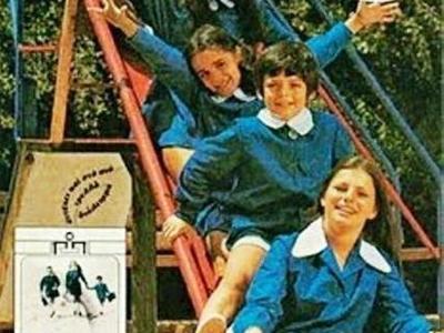 """Πριν από 37 χρόνια καταργήθηκαν οι σχολικές ποδιές... Η Πατρινή """"Λουάνα"""" είχε γράψει ιστορία -ΦΩΤΟ"""