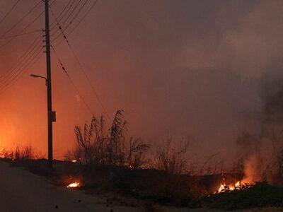 Φωτιά στην Βαρυμπόμπη: Σε κατάσταση μέγι...
