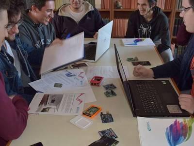 """Οι """"κυψέλες"""" των φοιτητών του Πανεπιστημίου Πατρών που συνδέουν τη μάθηση με την έρευνα, την καινοτομία και την επιχειρηματικότητα"""