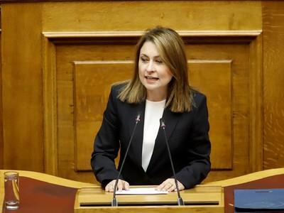 Χριστίνα Αλεξοπούλου: Εάν δεν μας είχατε κυβερνήσει, θα είχαμε αυτοκινητόδρομο!