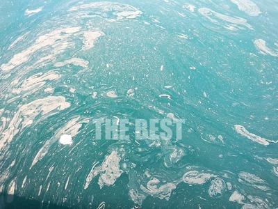 Πάτρα: Γέμισε λύματα η θάλασσα στον μώλο...
