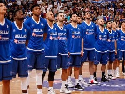 Η Ελλάδα νίκησε την Τουρκία 84-70 με 16π. του Αντετοκούνμπο