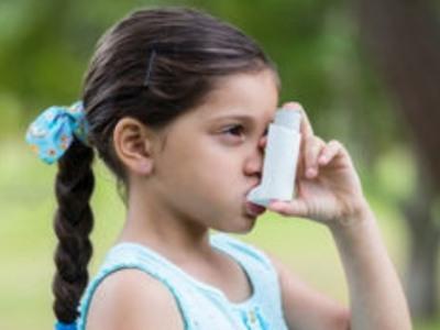 Τέσσερα εκατομμύρια παιδιά εκδηλώνουν άσθμα κάθε χρόνο εξαιτίας των καυσαερίων από τα αυτοκίνητα