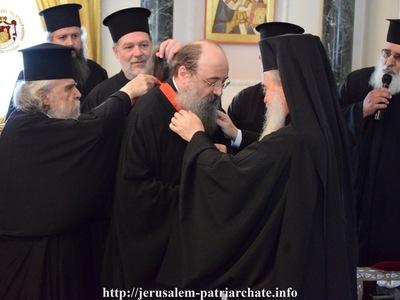 Στα Ιεροσόλυμα ο Μητροπολίτης Πατρών - Τον παρασημοφόρησε ο Πατριάρχης - ΦΩΤΟ