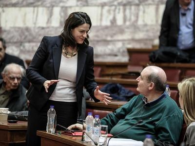 Βουλή: Ενός λεπτού σιγή για τους δύο νεκ...