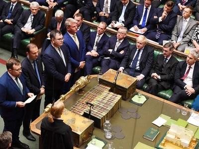 Βρετανία: «Όχι» από το κοινοβούλιο σε πρόωρες εκλογές