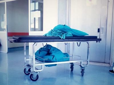 """""""Σήκωσαν"""" 3.000 ευρώ από το κυλικείο του νοσοκομείο Αιγίου - Κουκουλοφόροι οι δράστες"""