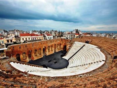 Η περιπέτεια του Λεύκιου και του Καλλία «ζωντανεύει» στο Ρωμαϊκό Ωδείο της Πάτρας